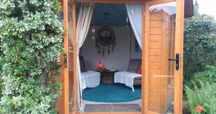 The Healing Hut - a small scale well-being retreat