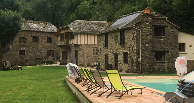 Spiritual and Wellness in the Aveyron France with Esoteric teacher and therapist