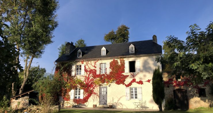 Come on a transformational Wellbeing holiday at Maison du Lac - South of France